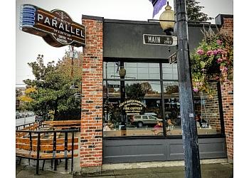 Vancouver cafe 49th Parallel Café & Lucky's Doughnuts