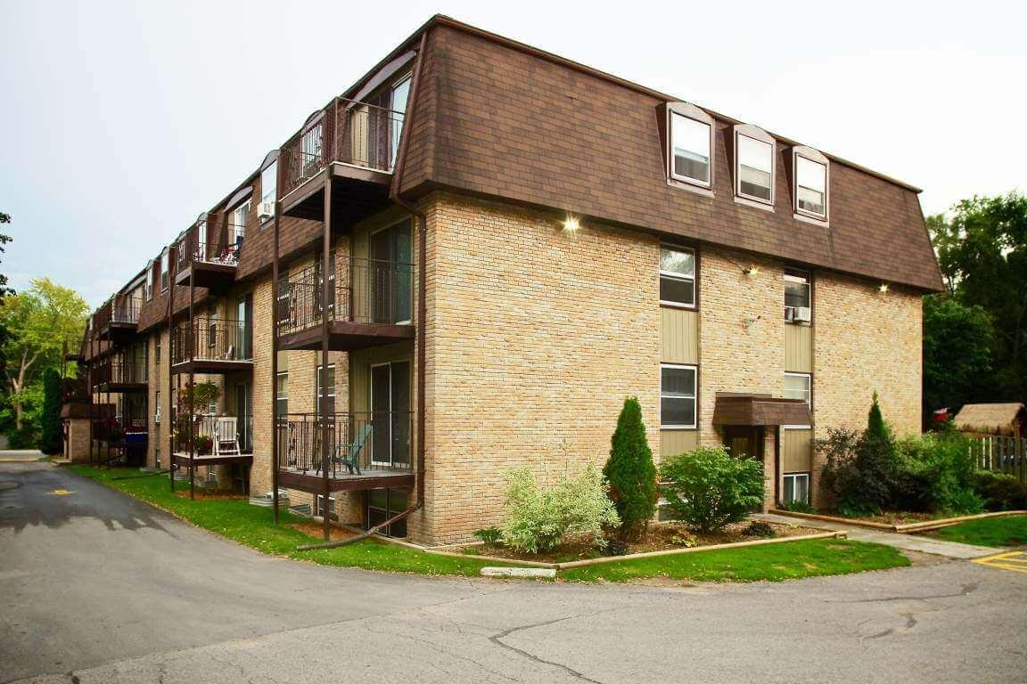 Belleville apartments for rent 4 Applewood, 414 Dundas