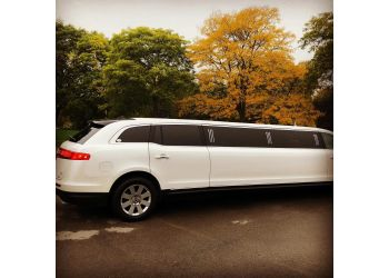 Toronto limo service  A Celebrity Limousine Service Inc.