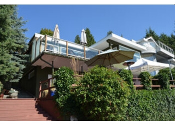 Coquitlam bed and breakfast A Waterfront Bed & Breakfast