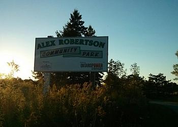 Pickering hiking trail Alex Robertson Park Trail
