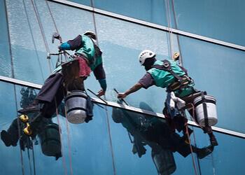 Richmond Hill window cleaner Alien Window Cleaning