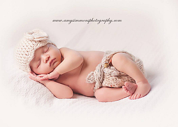 Whitby babies and family photographer Amy Simmons Photography