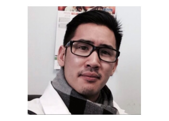 Brossard physical therapist Anthony Truong, pht M.sc PT, DO mec