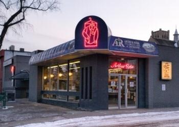 Saskatoon dry cleaner Arthur Rose Cleaners