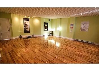 Longueuil yoga studio Atma Yoga et Pilates