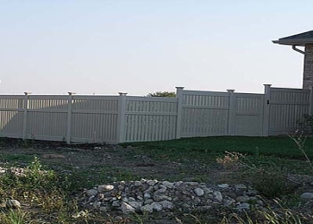 Stratford fencing contractor BARRY SCHMIDT CONTRACTING INC.
