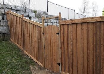 Cambridge fencing contractor BLUE DOG EXTERIORS