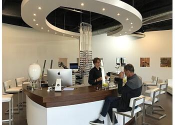 Laval optician Bar à lunettes