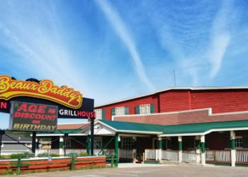 Thunder Bay seafood restaurant Beaux Daddy's