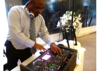 Oshawa dj Best Music Services