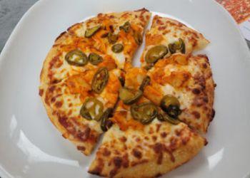 Brampton pizza place Boston Pizza