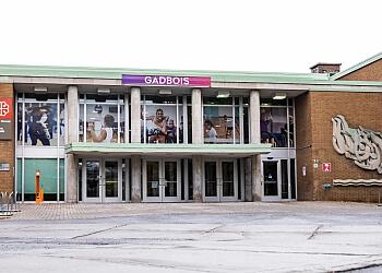 Montreal recreation center COMPLEXE RÉCRÉATIF GADBOIS