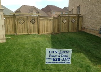 Newmarket fencing contractor Can Do Fence and Deck