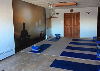Longueuil yoga studio Centre Yoga Accord