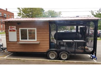 Moncton food truck Cheers Red Roof Smokin' Barbeque