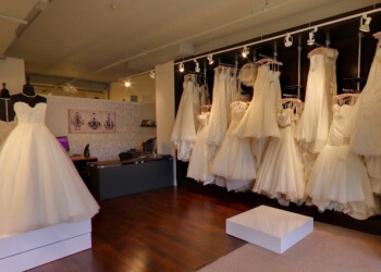 Montreal bridal shop Christianne Brunelle Couture
