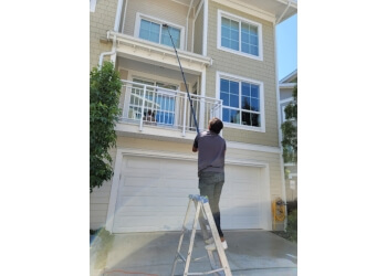 3 Best Window Cleaners In Richmond Bc Threebestrated