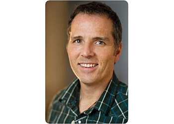 Vancouver physical therapist COLIN MILLER, B.SC PT, FCAMT, CGIMS