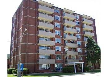 Windsor apartments for rent Courtyards of Parkway Apartments - York Property