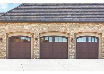 3 Best Garage Door Repair In Kelowna Bc Threebestrated