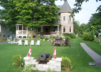 Orillia bed and breakfast Creighton Manor Inn Bed & Breakfast