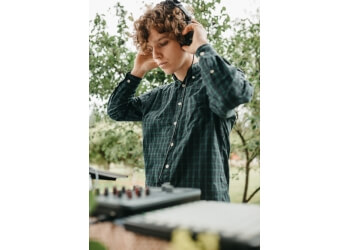 Abbotsford dj DJ Simon Bridgefoot