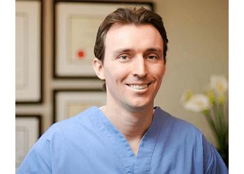 Burlington cosmetic dentist DR. DANIEL M CURRIE, DDS