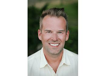 Kelowna dentist DR. JEREMIE HALLETT - DISCOVER DENTAL