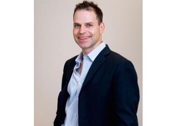 Hamilton plastic surgeon DR. RONEN AVRAM, MD