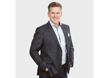 Oakville real estate agent Dan Cooper