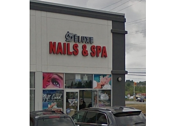 Sudbury nail salon Deluxe Nails & Spa