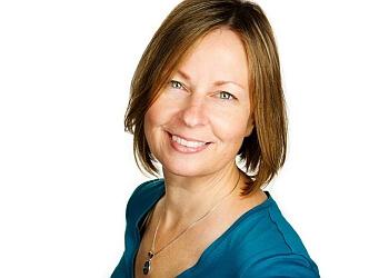 Guelph manual osteopath Diane Swiderski, OMP - Women's Osteopathy Clinic