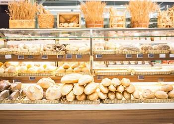 Richmond Hill bagel shop Donut Delite Cafe
