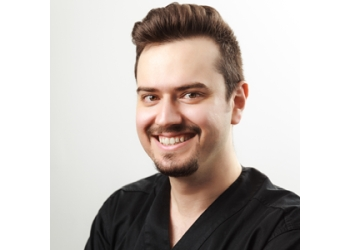 Kitchener cosmetic dentist Dr. Alavi, DDS