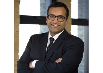 Winnipeg plastic surgeon Dr. Avi Islur, MD, FRCSC