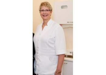 Longueuil dentist Dr. Christine Marcoux, DDS