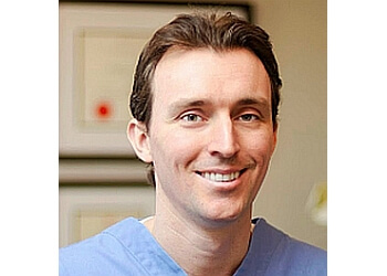 Burlington cosmetic dentist Dr. Daniel M Currie, DDS