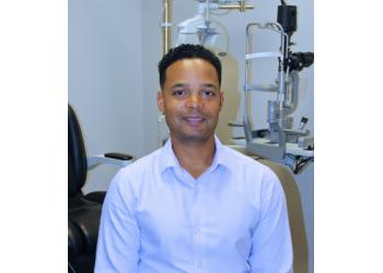 Richmond Hill pediatric optometrist Dr. Daniel Rayman, OD