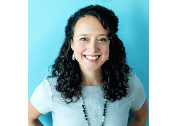 Newmarket chiropractor Dr. Danielle Warner, DC, B.H.Sc (Hon) - Foster Family Chiropractic & Associates