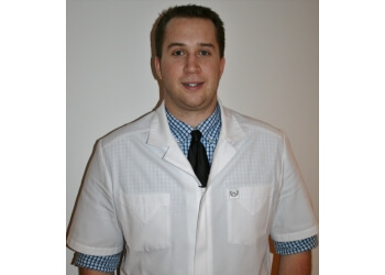 Longueuil chiropractor Dr. Dominic Fortin, Chiropraticien, DC