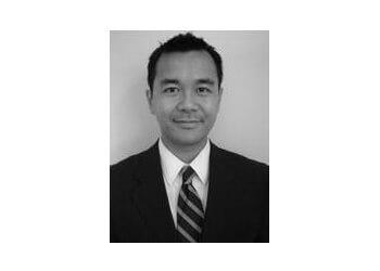 Toronto orthopedic Dr. Duong Nguyen, MD, MSc(c), FRCS(C), FAAOS