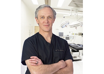 Quebec plastic surgeon Dr. Félix-André Têtu, MD