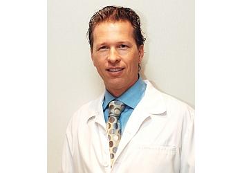 Saint Jean sur Richelieu cosmetic dentist Dr. François Dodier, DDS