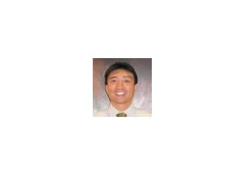 Richmond Hill orthopedic Dr. Gregory Soon-Shiong, MD, FRCSC