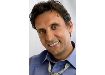 Aurora cosmetic dentist Dr. Hagen Knothe, DDS