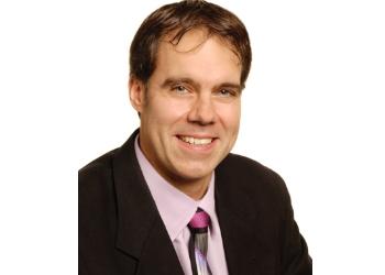 Guelph optometrist  Dr. Jason Simpson, OD