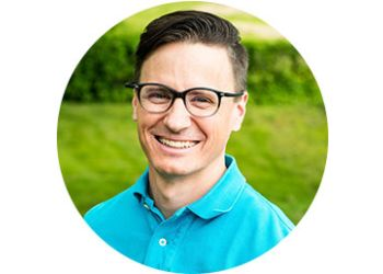 Newmarket chiropractor Dr. Jon Saunders, DC - Chiropractic on Eagle