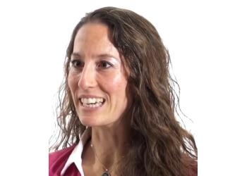 Drummondville chiropractor  Dr. Julie Desilets, CHIROPRATICIEN DC
