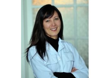 Waterloo cosmetic dentist Dr. Karen J. Lee, DDS